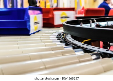 Factory roller conveyor system for transporting crates