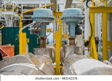 Fail to close type of actuated control valve in oil and gas central processing platform, valve connected in parallel to split control method by programmable logic controller (PLC).