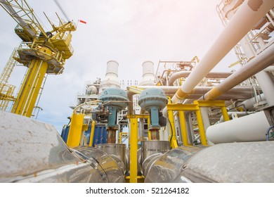 Fail to close type of actuated control valve in oil and gas central processing platform, valve connected in parallel to split control method program by programmable logic controller (PLC).