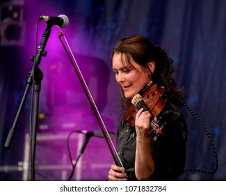 Fairport's Cropredy Convention - August 11th 2017:  Kate McWilliam violinist with Quill performing at Fairport Convention's Cropredy Festival, Oxfordshire, August 11 2017, Banbury, Oxfordshire UK