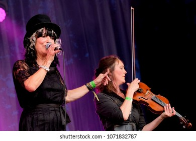 Fairport's Cropredy Convention - August 11th 2017: Joy Strachan-Brain vocalist with Quill performing at Fairport Convention's Cropredy Festival, Oxfordshire, August 11 2017, Banbury, Oxfordshire UK