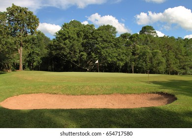 fairway bunker golf