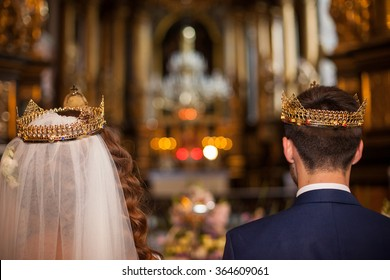 Greek Wedding Crowns Images, Stock Photos & Vectors