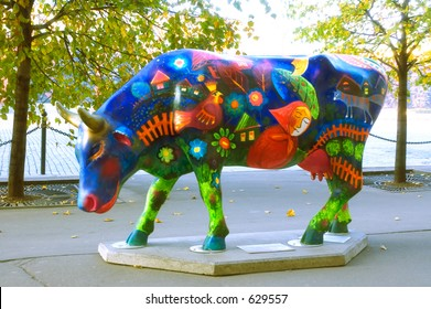 Fairytale painted plactic cow at the Red Square [#5205]