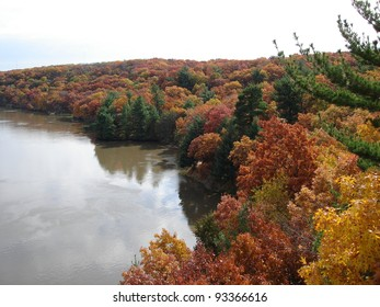 Fall Colors at Starved Rock