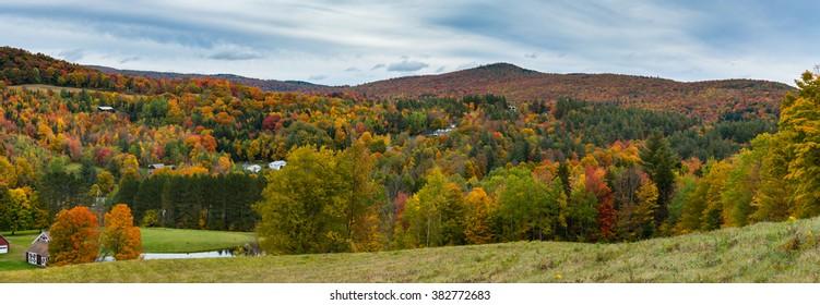 Fall foliage of Vermont during the peak season