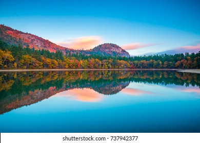 Fall reflections at Echo Lake State Park   White Mountain National Forest, New Hampshire, USA