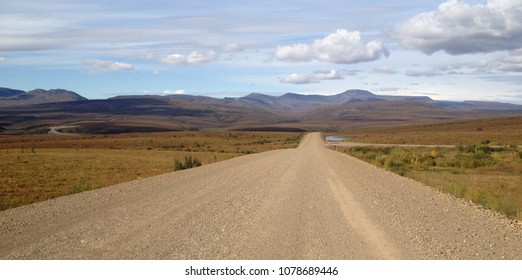 A fall road trip through the Richardson Mountains on the Dempster highway, Canadas only road to the Arctic Ocean. Northwest territories, Canada