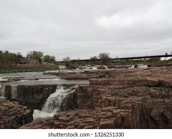 The falls of the Big Sioux River in Sioux Falls in South Dakota. The falls is a tributary of the Missouri River.