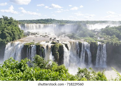 The Iguaçu Falls is a group of about 275 waterfalls on the Iguaçu River
