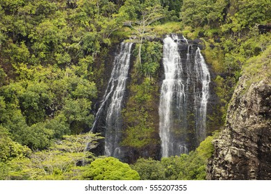 ?paeka?a Falls is a waterfall located at the Wailua River State Park on the eastern side of the Hawaiian island of Kauai. This 151 foot waterfall flows over basalt from volcanic eruptions.