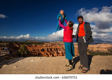 Family with babyboy in Bryce canyon National Park, Utah, USA