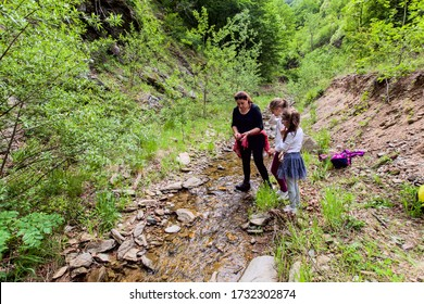 Family Enjoy Nature Walking By The Creek, Hiking, People, Stream,Spring