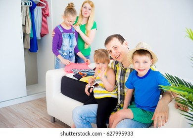 Family going on vacation