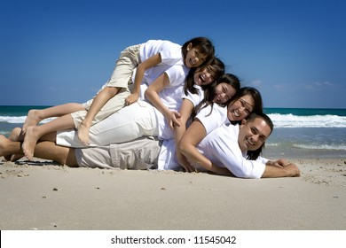 Family At Beach Pose Images Stock Photos Vectors Shutterstock