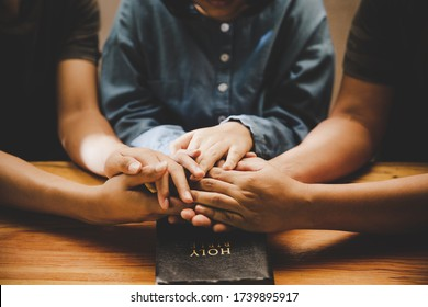 Family pray together praying with parent at home, online group worship, World Day of Prayer, international day of prayer, hope, gratitude, thankful, trust