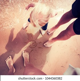 Family traveling concept/ Happy family on summer beach/selective focus