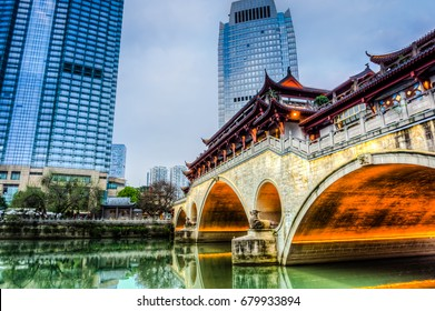 The famous Anshun Bridge in Chengdu just turned on its lights for the coming night.