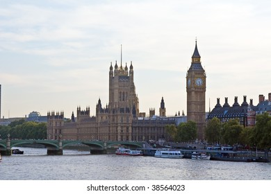 Famous Big Ben clock tower in London, UK.