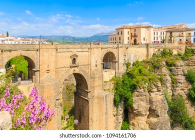 """Famous bridge """"Puente Nuevo"""" linking two parts of Ronda town, Andalusia, Spain"""