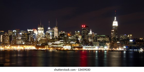 The famous and dramatic New York City skyline at Night