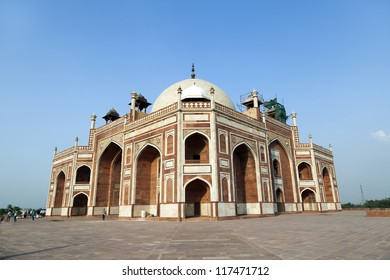 famous Humayun's Tomb in Delhi, India