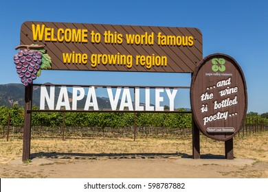 famous Napa Valley welcoming sign