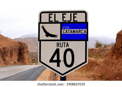 The famous road to El Eje in Catamarca on route 40