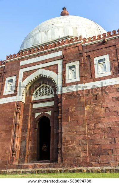 famous ruins of tughlaqabad fort in Delhi