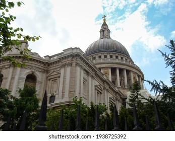 Famous Saitn - Paul's Cathedral church, London, UK