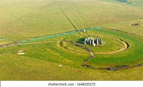 Stonehenge View: Imágenes, fotos de stock y vectores   Shutterstock