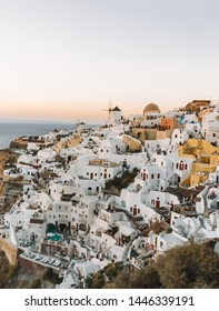 The famous sunset in Oia in Santorini. This is one of the beautiful sunset spot