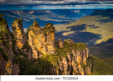The famous Three Sisters sandstone rock formation of the Blue Mountains in New South Wales, Australia.