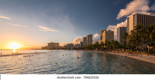 Famous Waikiki Beach, O'ahu, Hawaii