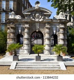 Victoria Embankment Garden Images Stock Photos Vectors Shutterstock
