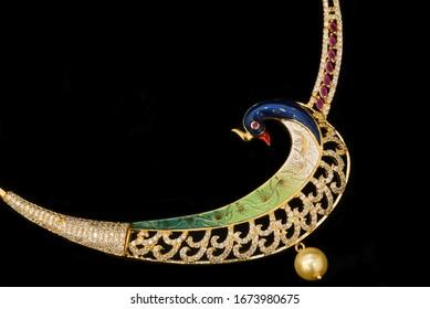 Women Gold Chain Images Stock Photos Vectors Shutterstock
