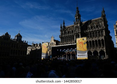 Fans of cyclism attend the team presentation ceremony at the Grand-Place - Grote Markt Square in Brussels on July 4, 2019.