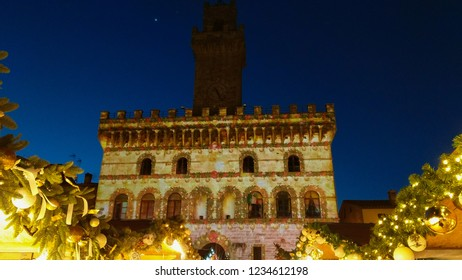Fantastic atmosphere in the beautiful square of Montepulciano at christmas time
