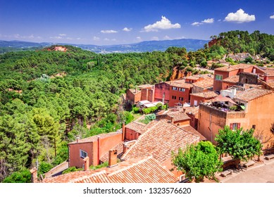 Fantastic view on ancient town Roussillon in Provence, France, one of iconic Luberon, Vaucluse landmarks.