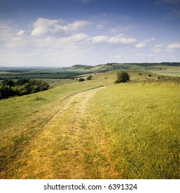 farmland view of the vale of aylesbury from the chilterns buckinghamshire england uk from the ridgeway path