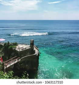 A fascinating view of the ocean in Bali. A great place to relax and surf