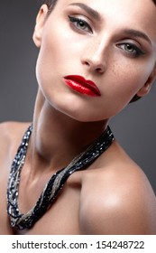 Fashion Beauty Make-up. Beautiful Woman with Luxury Makeup. Close-up