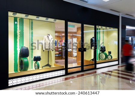 ec68a18026e3 Stock fotografie na téma Fashion Clothes Shop Storefront (k okamžité ...