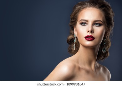 Fashion Model Beauty Makeup, Glamour Retro Woman Portrait, Wavy Hairstyle and Makeup over gray Background