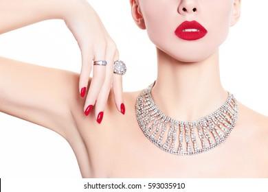 Fashion model demonstrates jewelry