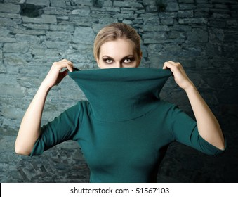 Woman Thief Images Stock Photos Amp Vectors Shutterstock