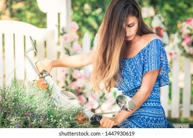 Fashion portrait of a beautiful woman outdoor.