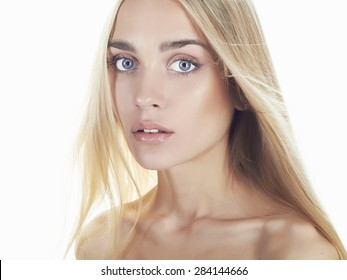 fashion portrait of beautiful young woman with long hair.Blonde girl