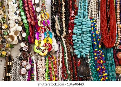 Fashion - Various pieces of jewelry - Necklaces / Jewelry - Necklaces