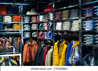 Fashionable apparel store with men shirts
